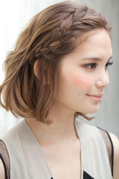 lob最适合的刘海编发,让半长不短的刘海有了去处,也让额前的头发